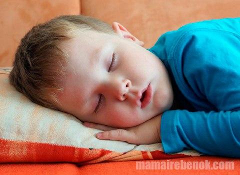 Ребенок храпит при насморке что делать
