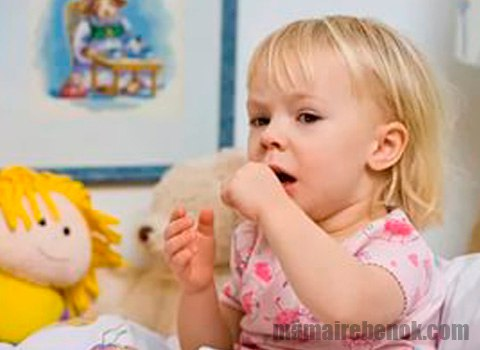 Почему ребенок постоянно подкашливает